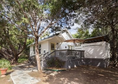 Cottage 2 Exterior 1 400x284