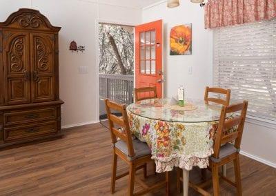 Cottage 3 Diningroom 400x284