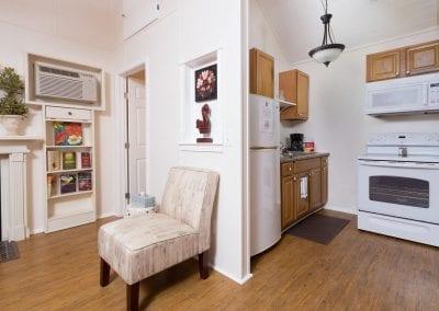 Cottage 4 Kitchen 400x284