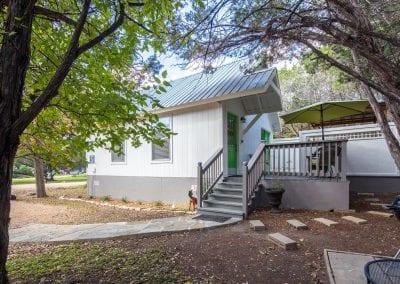 Cottage 5 Exterior 400x284