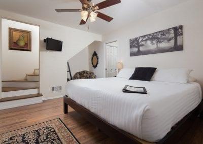 Cottage 8 Bedroom 400x284