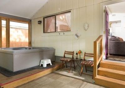 Cottage 9 Hot Tub 400x284