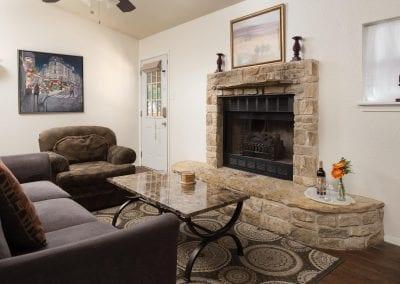 Cottage 9 Livingroom 2 400x284