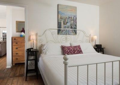 Cottage 9 Main Bedroom 400x284