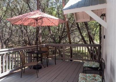 Cottage Deck 400x284
